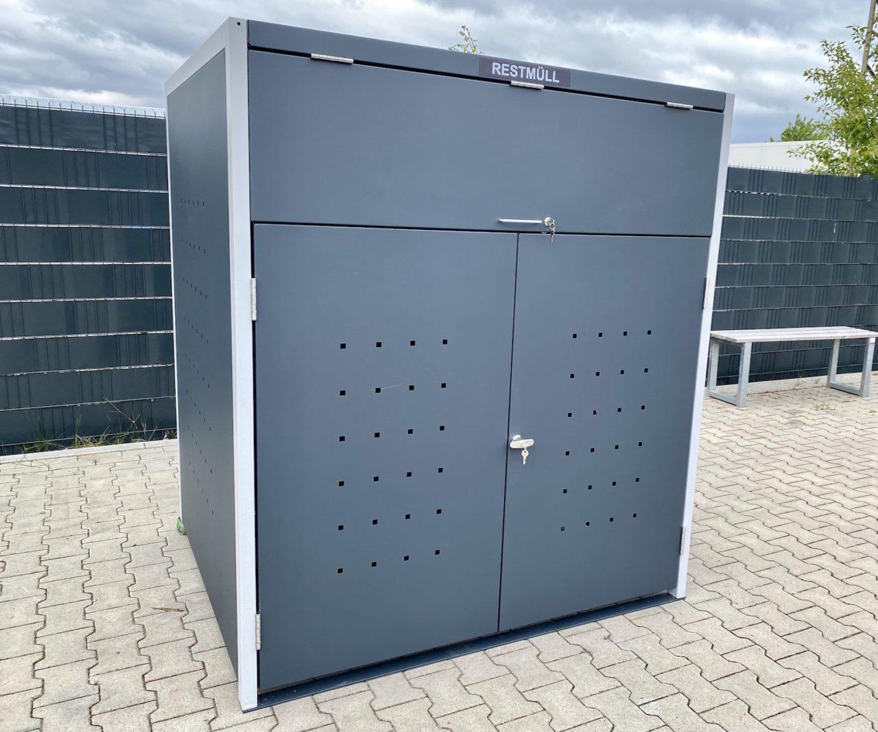 1er Müllcontainerbox Quadratlochung mit Klappe