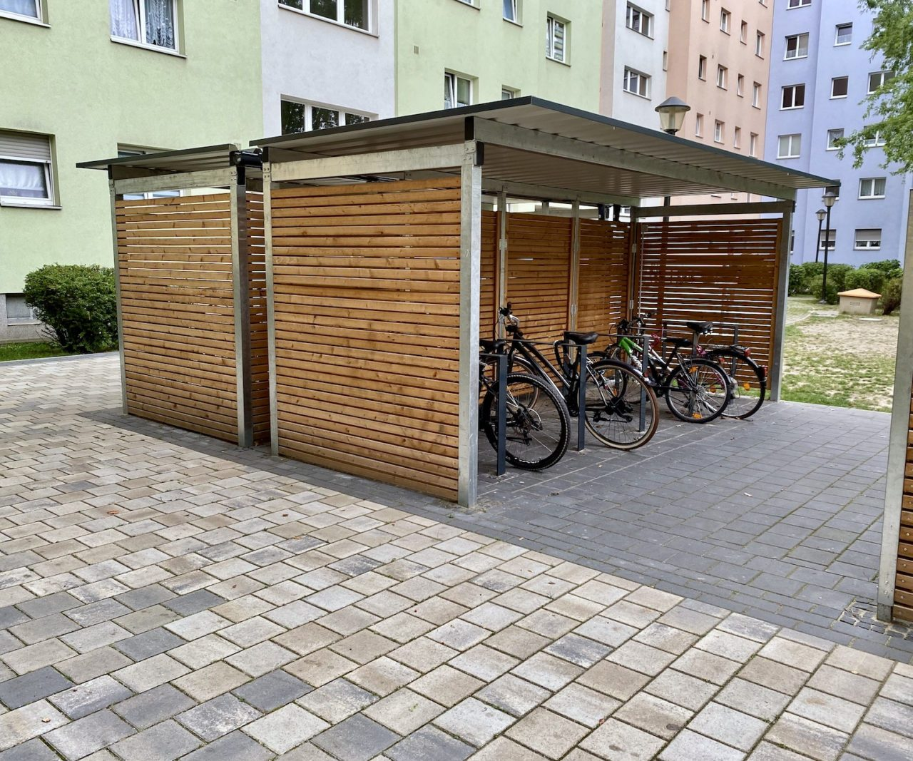 Fahrradüberdachungen Lärchenholz