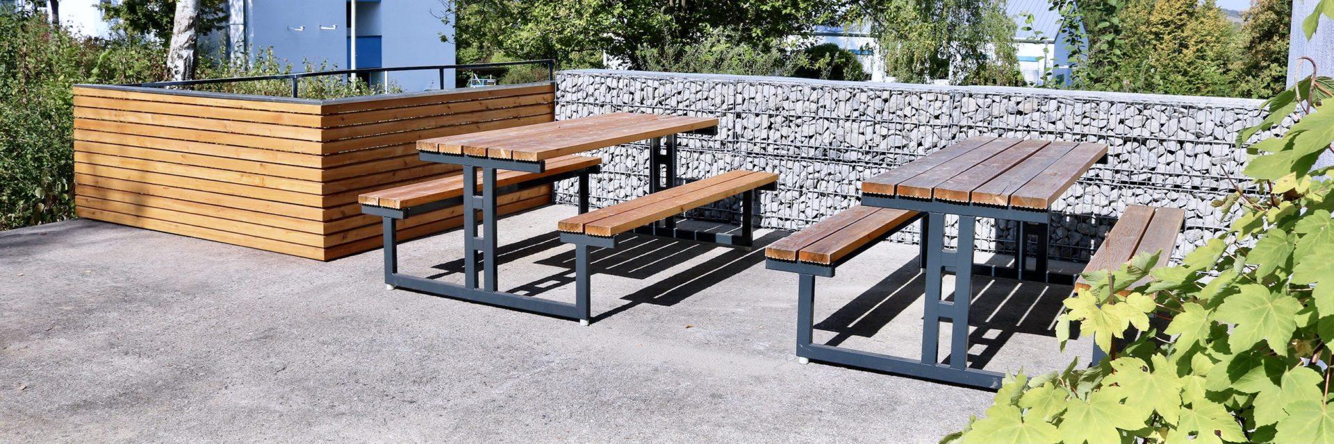 Sitzgelegenheiten – Sitzgruppen und Sitzbänke