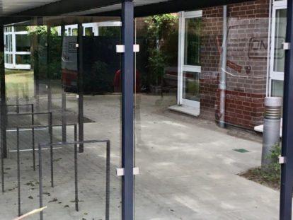 Carports und Fahrradüberdachungen – Seitenwand Glas
