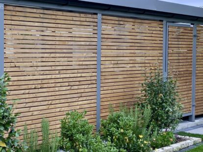 Carports und Fahrradüberdachungen – Seitenwand Holzlattung waagerecht blickoffen